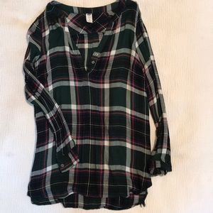 Old Navy Tops - 2/$10 Old Navy maternity plaid tunic xs